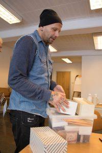 John Martin visar upp sin samling från Collectors´ Workshop.