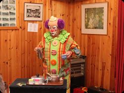 Pillimaro bakar. Familjeföreställning tillsammans med Jämtlands Magiska Förening  2013